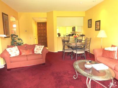 Cathedral City Condo/Townhouse For Sale: 67269 North Chimayo Drive