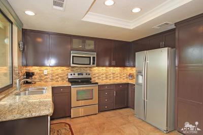 Palm Desert Condo/Townhouse For Sale: 326 Paseo Primavera