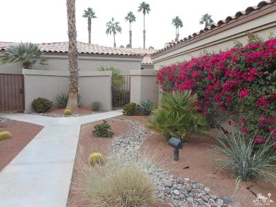 Palm Desert Condo/Townhouse For Sale: 38778 Wisteria Drive