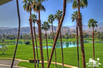 Rancho Mirage Condo/Townhouse For Sale: 910 Island Dr. Drive #214