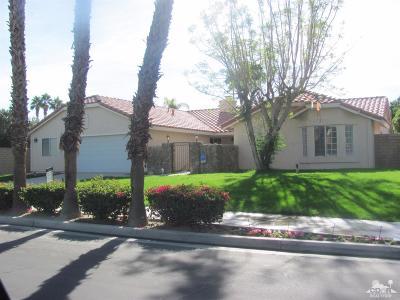 Palm Desert Single Family Home For Sale: 76819 Lancelot Court