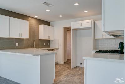 Palm Desert CA Single Family Home For Sale: $299,000