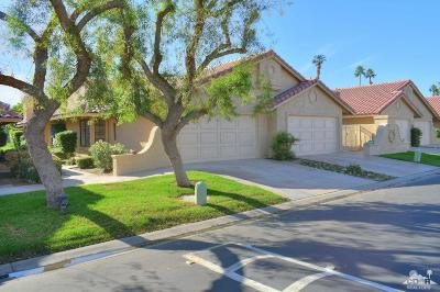 Palm Desert Condo/Townhouse For Sale: 77757 Woodhaven Drive South