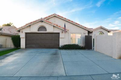 La Quinta Single Family Home Contingent: 44345 Villeta Drive