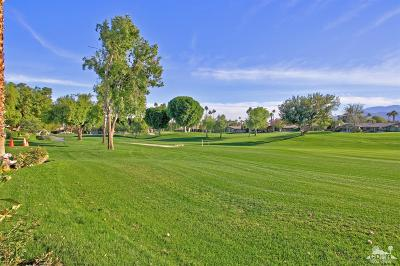 Palm Desert Condo/Townhouse For Sale: 271 North Bouquet Canyon Drive