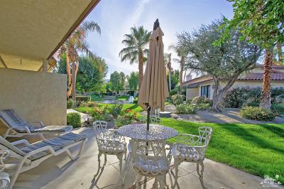 Palm Desert Condo/Townhouse For Sale: 403 Pebble Creek Lane