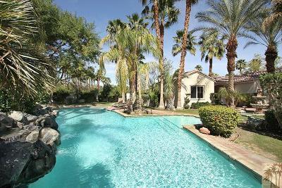 La Quinta Single Family Home For Sale: 81015 Golf View Drive