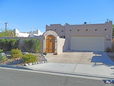 La Quinta Single Family Home Contingent: 54040 Avenida Cortez
