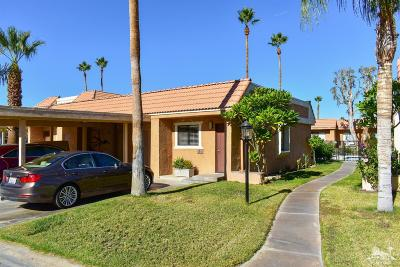 Palm Desert Condo/Townhouse For Sale: 40851 Breezy Pass Road