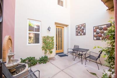 La Quinta Condo/Townhouse For Sale: 80292 Via Tesoro