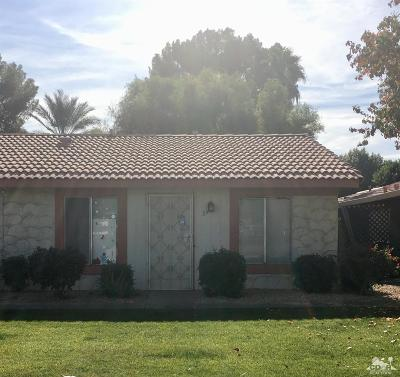 Indio Condo/Townhouse Contingent: 82075 Country Club Drive #33