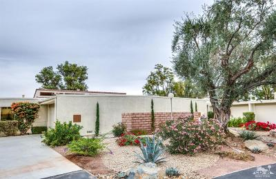 Palm Desert Condo/Townhouse For Sale: 72730 Carob Court