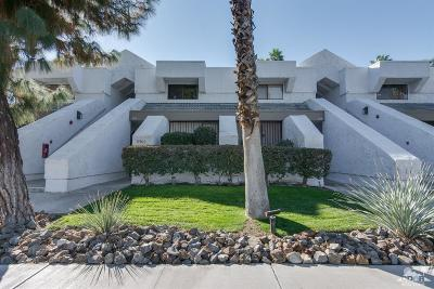 Palm Springs Condo/Townhouse For Sale: 5301 East Waverly Drive #153