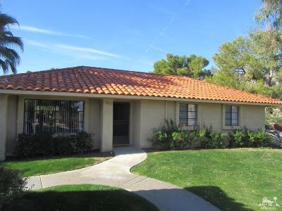 Palm Desert Condo/Townhouse For Sale: 72757 Jack Kramer Lane