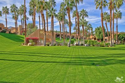 Palm Desert Condo/Townhouse For Sale: 73479 Poinciana Place