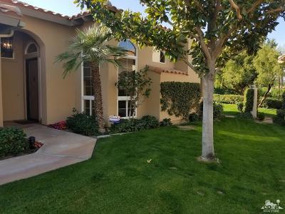 La Quinta Condo/Townhouse For Sale: 48375 Casita Drive