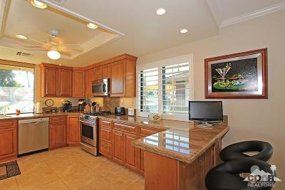 Palm Desert Condo/Townhouse For Sale: 285 Castellana North