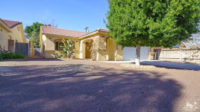 La Quinta Single Family Home Contingent: 51785 Avenida Villa
