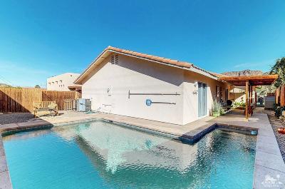 La Quinta Single Family Home For Sale: 54205 Avenida Alvarado