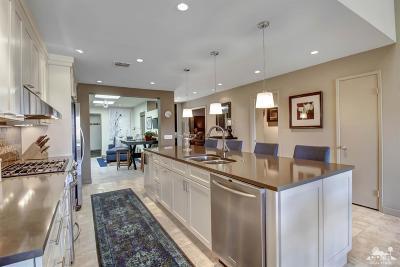Palm Desert Condo/Townhouse For Sale: 76296 Honeysuckle Drive