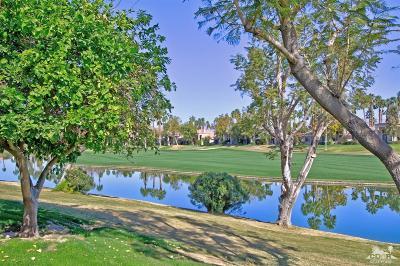 La Quinta Condo/Townhouse For Sale: 54660 Shoal Creek
