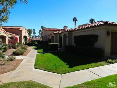 Palm Valley CC Condo/Townhouse For Sale: 38390 Plumosa Circle