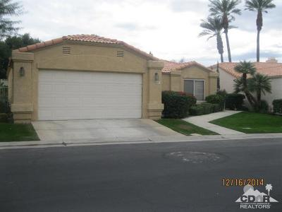 La Quinta Single Family Home Contingent: 48115 Via Hermosa