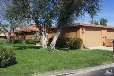 Rancho Mirage Condo/Townhouse For Sale: 21 La Cerra Drive