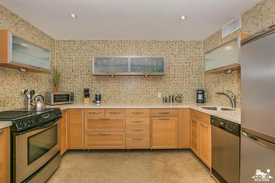 Palm Springs Condo/Townhouse For Sale: 130 West Racquet Club Road #319