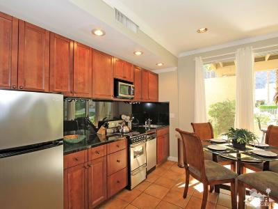 Indian Wells Condo/Townhouse Contingent: 78155 Cabrillo Lane #39