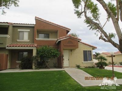Palm Desert Condo/Townhouse For Sale: 370 Tava Lane