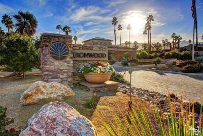 Palm Valley CC, Palm Royale, Rancho La Quinta CC, PGA Palmer Private, Santa Rosa Cove Coun, BDCC Country, Laguna De La Paz, Duna La Quinta, Oasis Country Club, The Hideaway, Indian Ridge, Ironwood Country Clu, Vintage Country Club Condo/Townhouse For Sale: 73453 Foxtail Lane