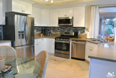 Rancho Mirage Condo/Townhouse For Sale: 15 Oak Tree Drive