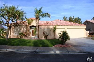 La Quinta Single Family Home Contingent: 45060 Desert Hills Court