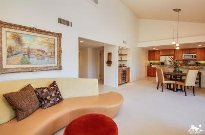 Ironwood Country Clu Condo/Townhouse For Sale: 73211 Foxtail Lane