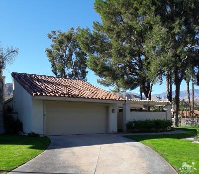 Rancho Mirage Condo/Townhouse Contingent: 19 Tennis Club Drive