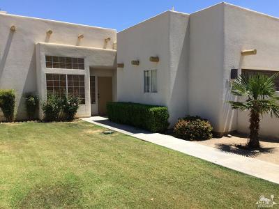 La Quinta Single Family Home For Sale: 51060 Avenida Vallejo