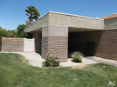 Palm Springs Condo/Townhouse For Sale: 2981 Sunflower Circle East