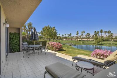 Palm Desert Condo/Townhouse For Sale: 74670 Hollyhock Drive