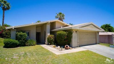 Palm Desert Country Single Family Home Contingent: 77564 Edinborough Street