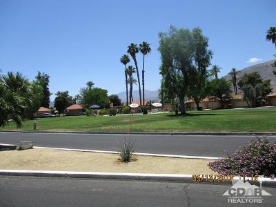Rancho Mirage Condo/Townhouse For Sale: 61 Sunrise Drive