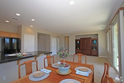 La Quinta Single Family Home Contingent: 60570 Desert Shadows Drive