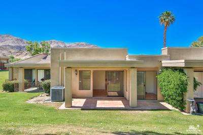 Palm Desert Condo/Townhouse For Sale: 72459 Desert Flower Drive