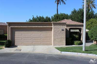 Palm Desert Condo/Townhouse For Sale: 44069 Vigo Ct Court