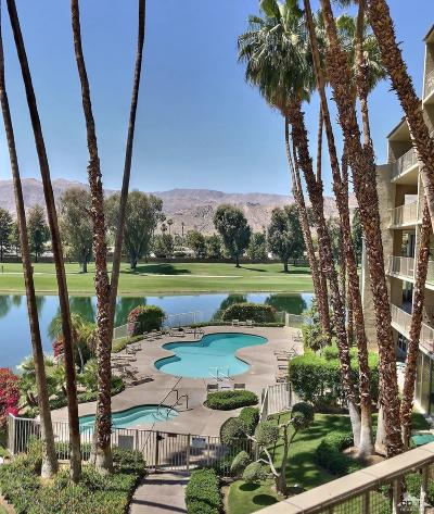 Rancho Mirage Condo/Townhouse Contingent: 899 Island Drive #309