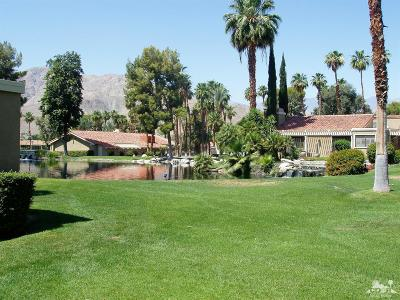 Rancho Mirage Condo/Townhouse For Sale: 87 Tennis Club Drive