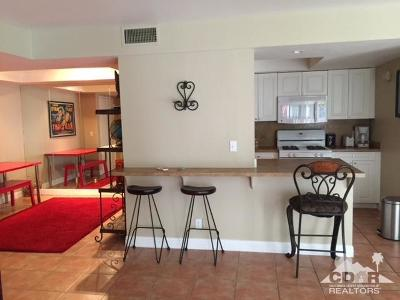 Palm Springs CA Condo/Townhouse For Sale: $189,500
