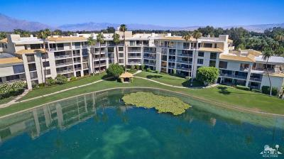 Rancho Mirage Condo/Townhouse For Sale: 910 Island Drive #401