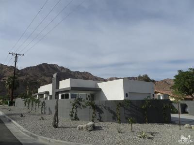 La Quinta Single Family Home Contingent: 54220 Avenida Rubio