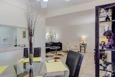 Palm Springs Condo/Townhouse For Sale: 333 West Mariscal Road